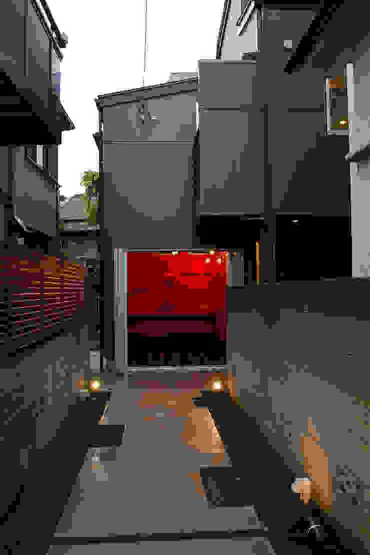 下北沢の家 モダンな 家 の 奥村召司+空間設計社 モダン