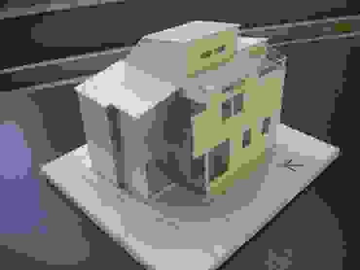 バルコニー: 奥村召司+空間設計社が手掛けた現代のです。,モダン