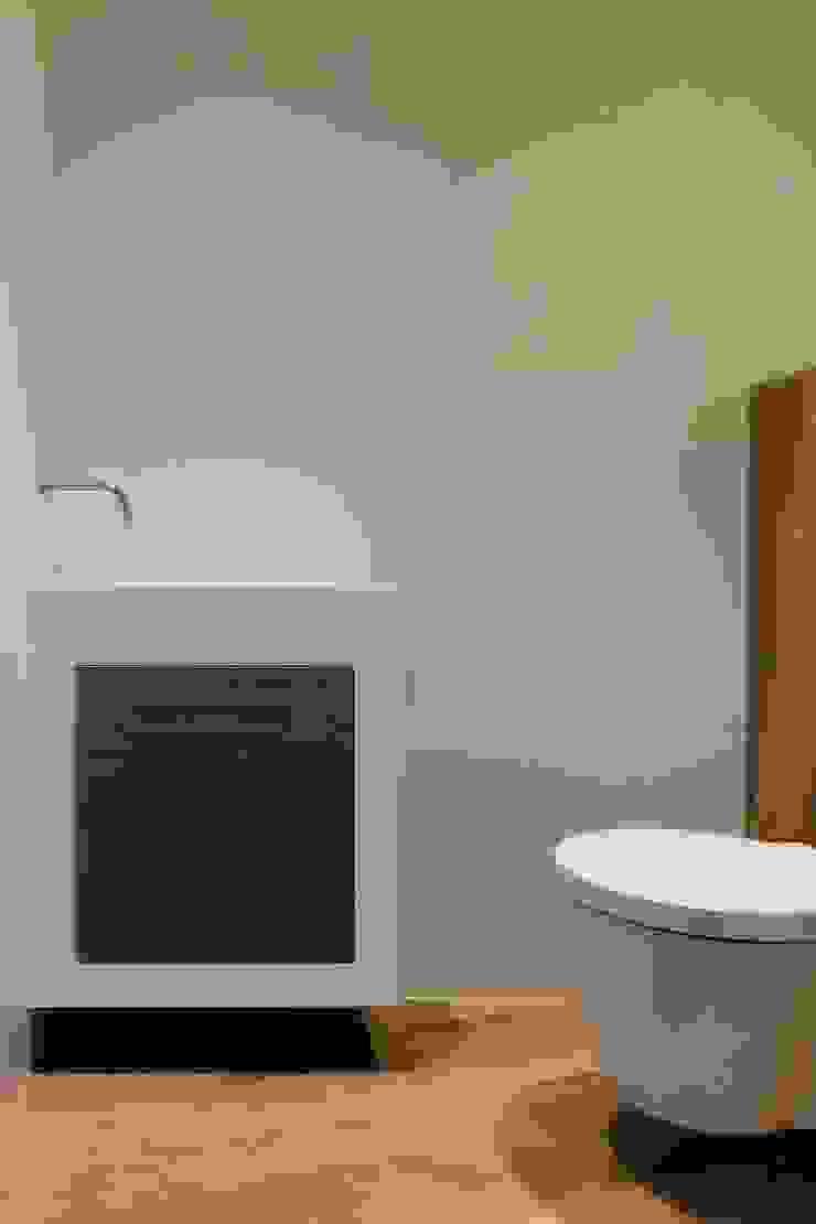 Toiletmeubel Moderne badkamers van Leonardus interieurarchitect Modern
