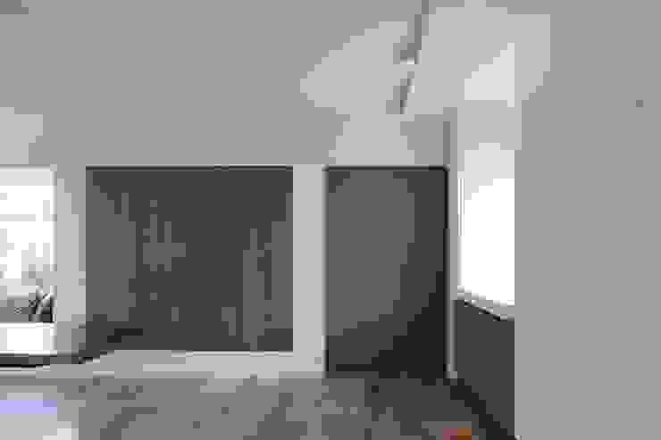 Taatsdeur Moderne keukens van Leonardus interieurarchitect Modern