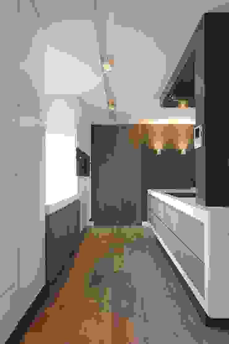 Kookeiland Moderne keukens van Leonardus interieurarchitect Modern