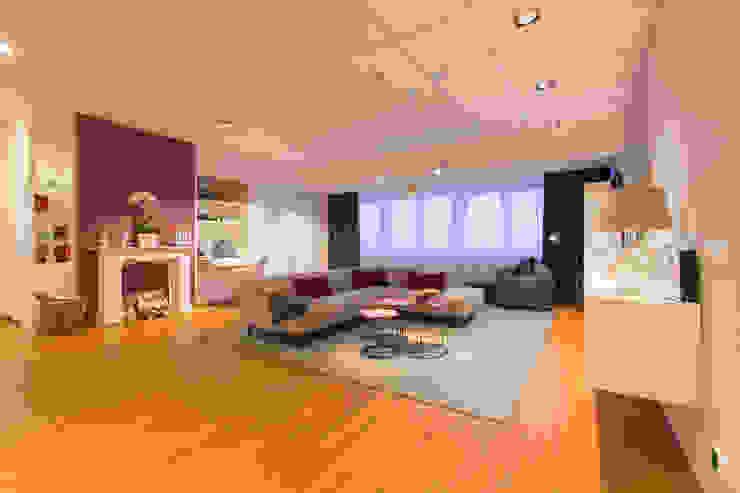 Ruang Keluarga Modern Oleh AAB Die Raumkultur GmbH & Co. KG Modern