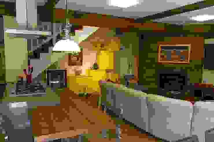 Casa Salas de jantar modernas por Mauricio Tarrago /Claudio Gros Arquitetura Moderno