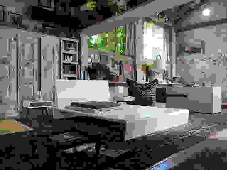 HI-PLY Bed - ELFO Ottoman - COMRI Chest of drawers - IO E TE Sidetables - NUMERO 3 Floor lamp Kırsal Yatak Odası HORM.IT Kırsal/Country