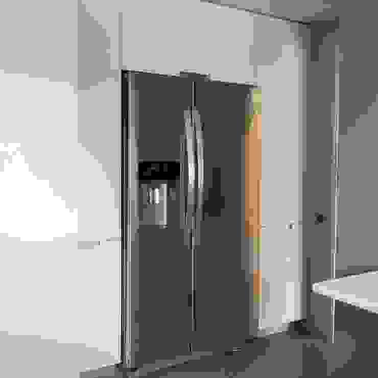 Кухня в стиле модерн от COCINAS SANTOS Модерн