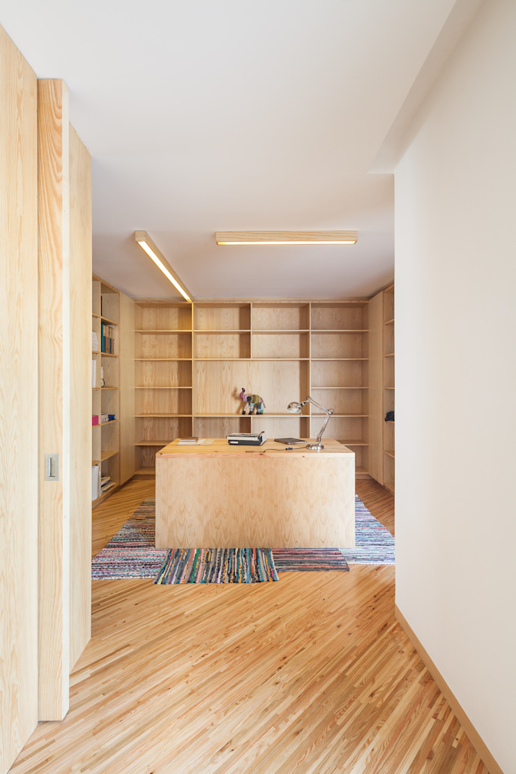SilverWoodHouse Modern study/office by Joao Morgado - Architectural Photography Modern