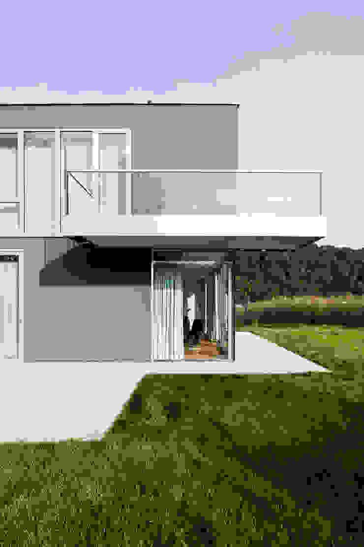 Corneille Uedingslohmann Architekten Modern garden
