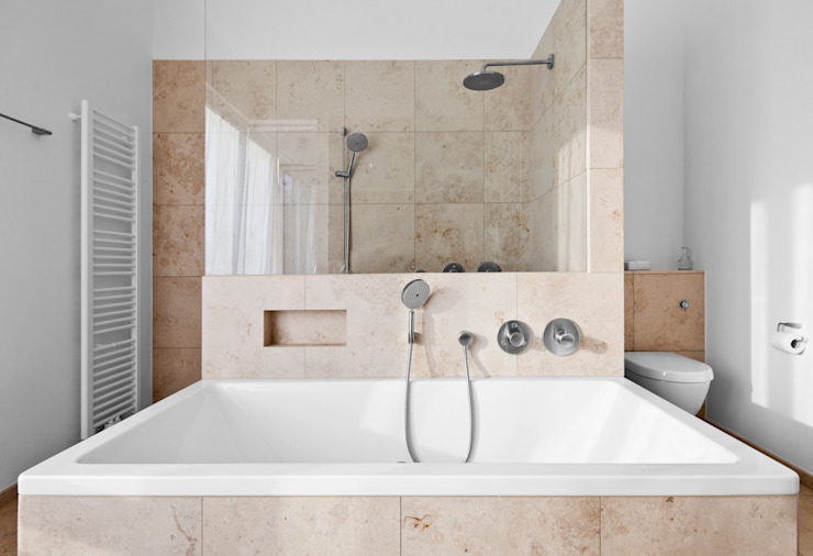 ミニマルスタイルの お風呂・バスルーム の Corneille Uedingslohmann Architekten ミニマル