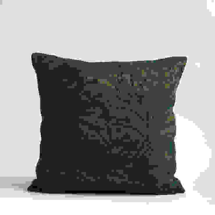 45X45 Leaves William Morris inspired cushion: modern  by WLE London, Modern