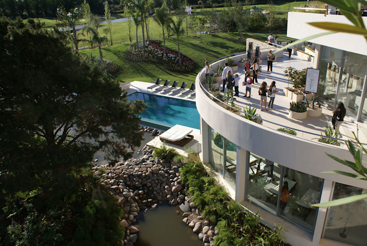 La casa que canta Casas modernas: Ideas, imágenes y decoración de VACCAREZZA Y TENESINI S.A. Moderno