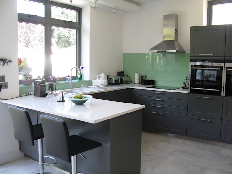 LAVA Schmidt Wimbledon Classic style kitchen
