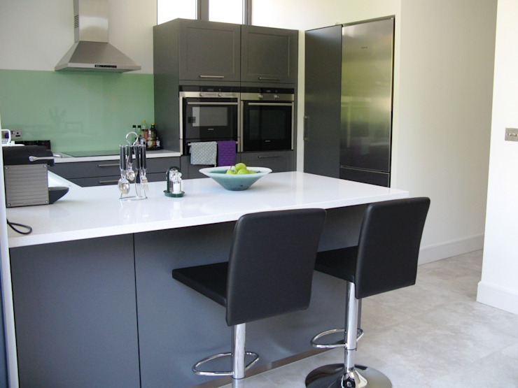 LAVA Classic style kitchen by Schmidt Wimbledon Classic