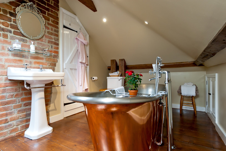 Bathroom by A1 Lofts and Extensions,