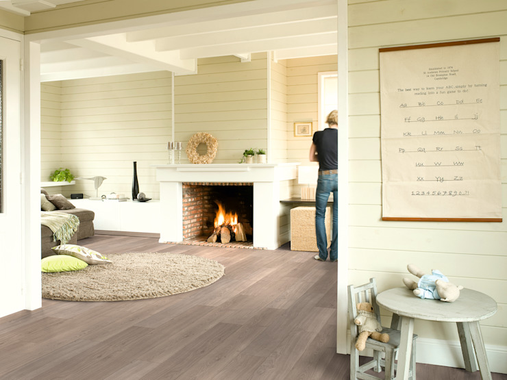 Light Grey Varnished Oak par Quick-Step Classique