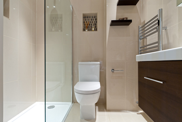 Modern Shower room من A1 Lofts and Extensions حداثي