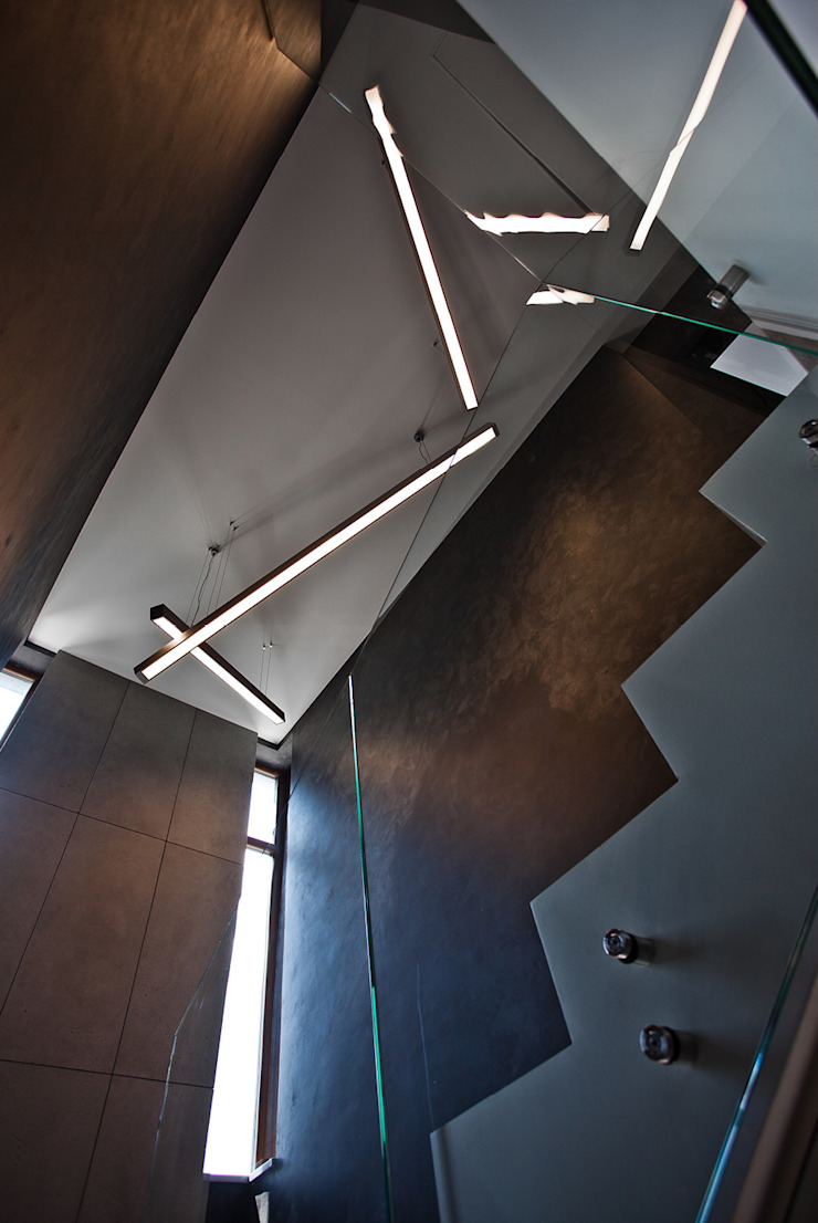 Apartament Orange Nowoczesny korytarz, przedpokój i schody od KLIFF DESIGN Nowoczesny