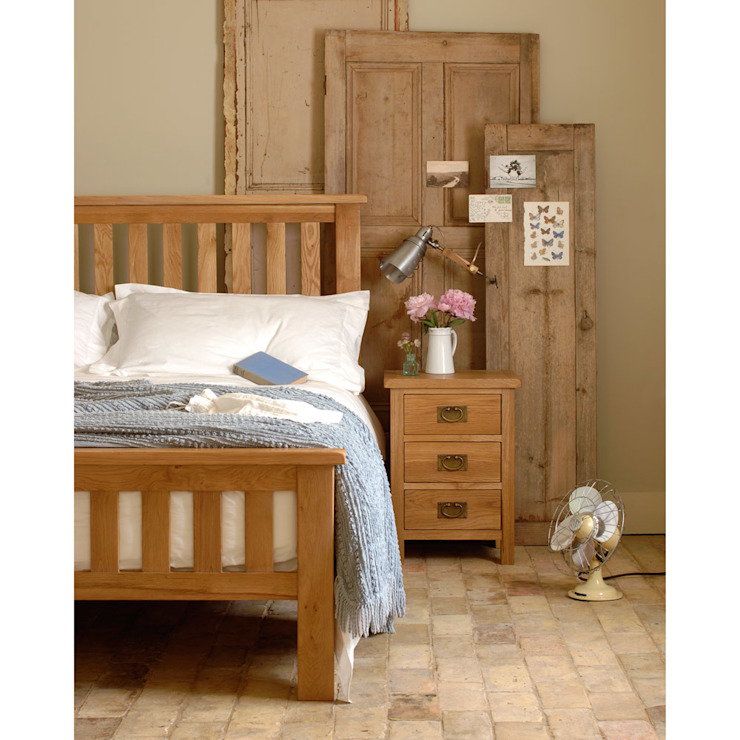 Lyon Petite Oak 4ft6 Double Bed Wiejska sypialnia od The Cotswold Company Wiejski