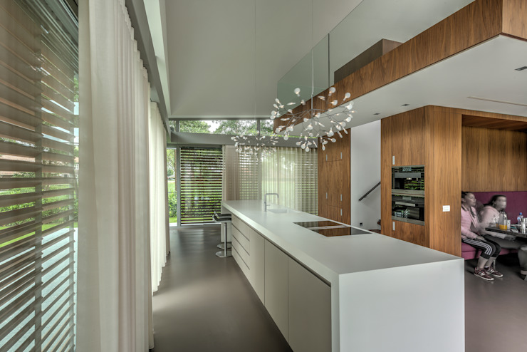 Kitchen by Coenen Sättele Architecten