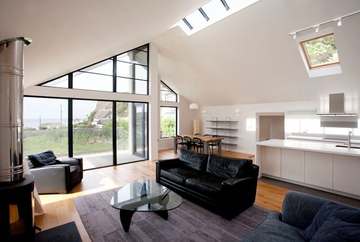 Grey Roofs, Crackington Haven, Cornwall Modern living room by The Bazeley Partnership Modern