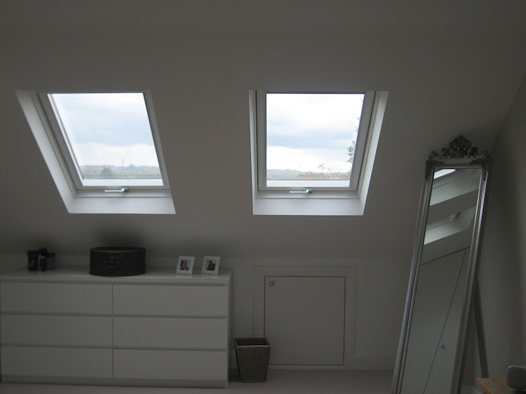 Dressed Hip to Gable Loft Conversion de A1 Lofts and Extensions Minimalista
