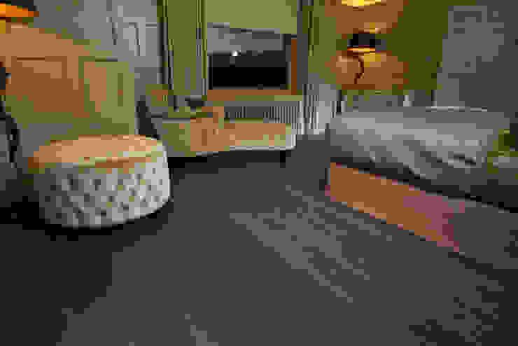 FSC Handfinished engineered Oak planks: modern  by Woodenfloors.uk.com, Modern
