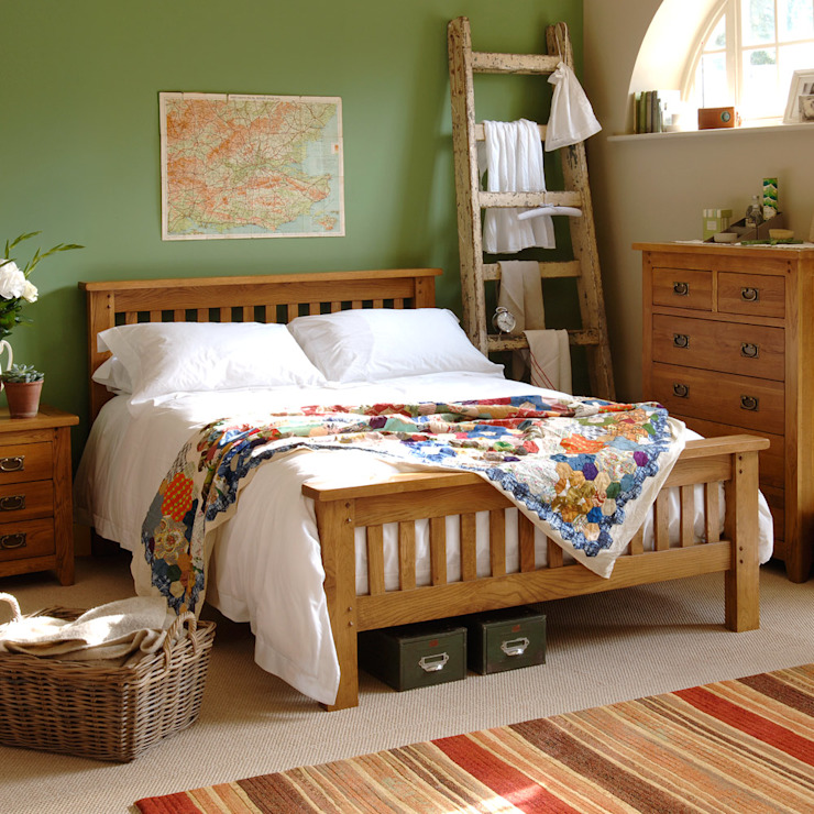 Oakland 4ft 6 Double Bed Wiejska sypialnia od The Cotswold Company Wiejski