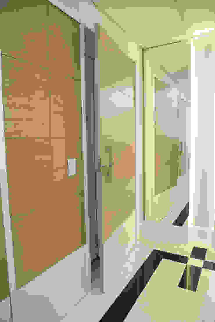 HALL SOCIAL Corredores, halls e escadas modernos por Tema Projetos e Obras Moderno