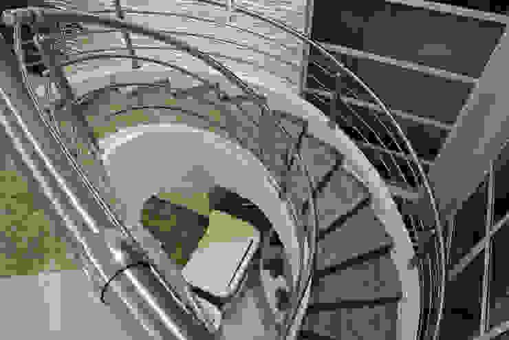Casas modernas de Designer de Interiores e Paisagista Iara Kílaris Moderno