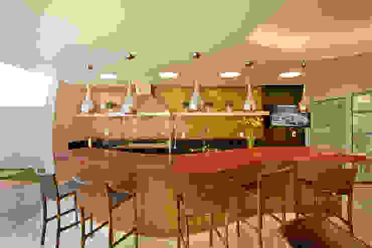 Piscinas de estilo moderno de Designer de Interiores e Paisagista Iara Kílaris Moderno