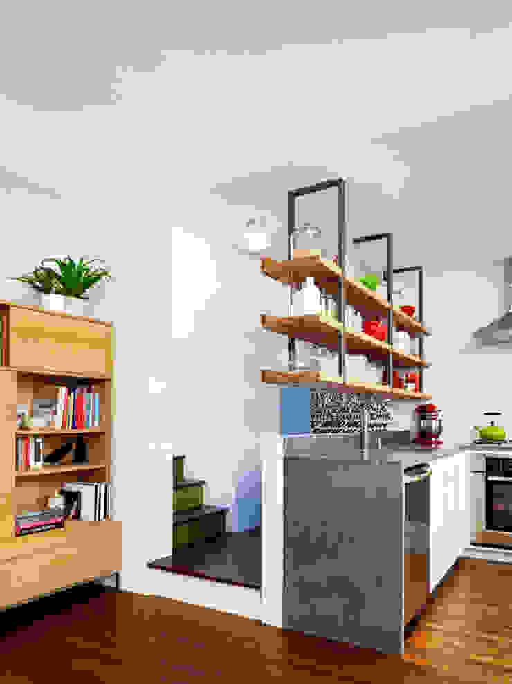 Sharon Street Modern kitchen by General Assembly Modern