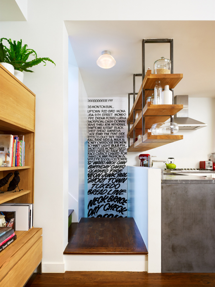 Sharon Street Modern corridor, hallway & stairs by General Assembly Modern
