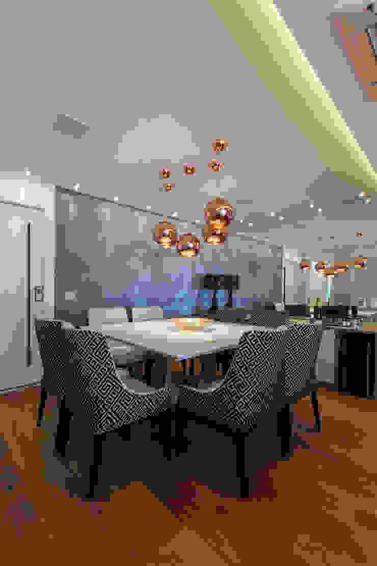 MAISON VITORIA Salas de jantar modernas por Barbara Dundes   ARQ + DESIGN Moderno