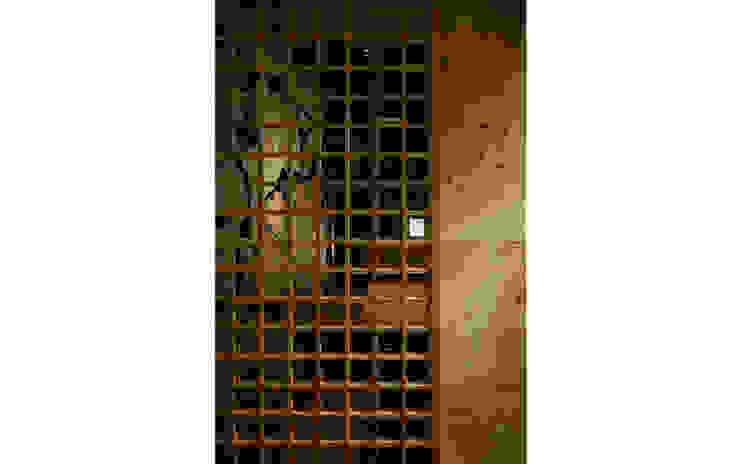 INTERIOR/8 モダンなレストラン の BaNANA OFFICE INC. モダン