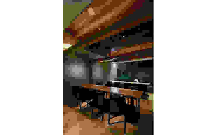 INTERIOR/9 モダンなレストラン の BaNANA OFFICE INC. モダン