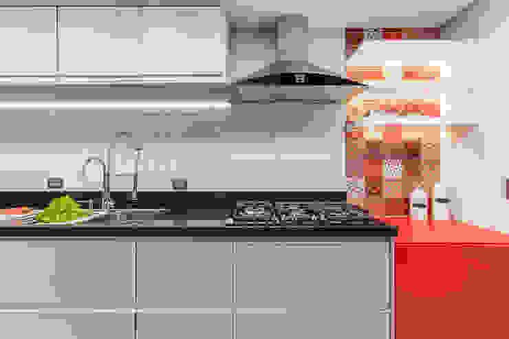 MAISON VITORIA Cozinhas modernas por Barbara Dundes   ARQ + DESIGN Moderno