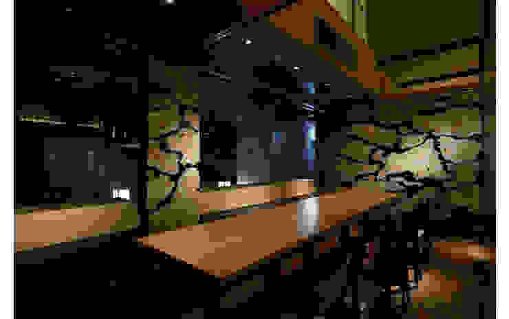 INTERIOR/6 モダンなレストラン の BaNANA OFFICE INC. モダン