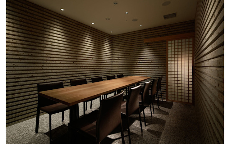 INTERIOR/10 モダンなレストラン の BaNANA OFFICE INC. モダン