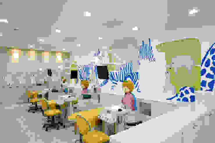 JinJu Junior Dental Clinic 모던 스타일 병원 by (주)유이디자인 모던