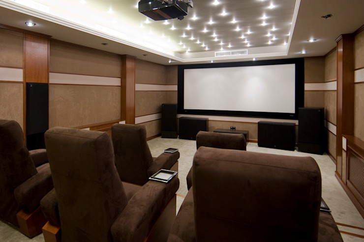 Classic style media room by ItalProject Classic