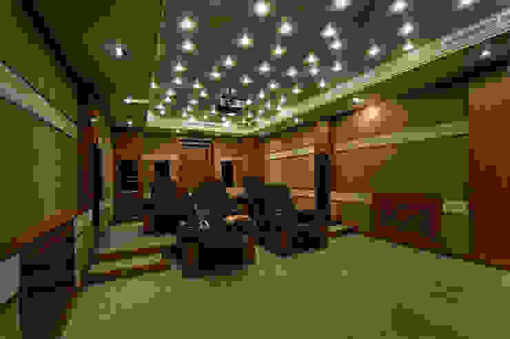 Кинотеатр Медиа комната в классическом стиле от ItalProject Классический