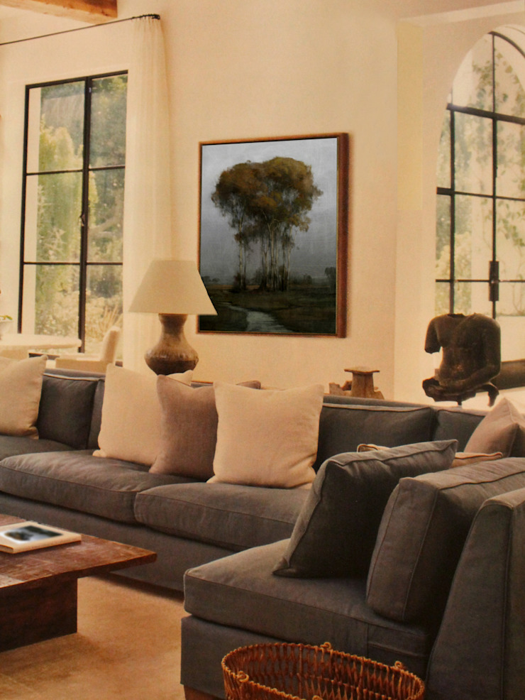 Parson County Room Classic style living room by Opper & Webb Fine Art Dealers Classic