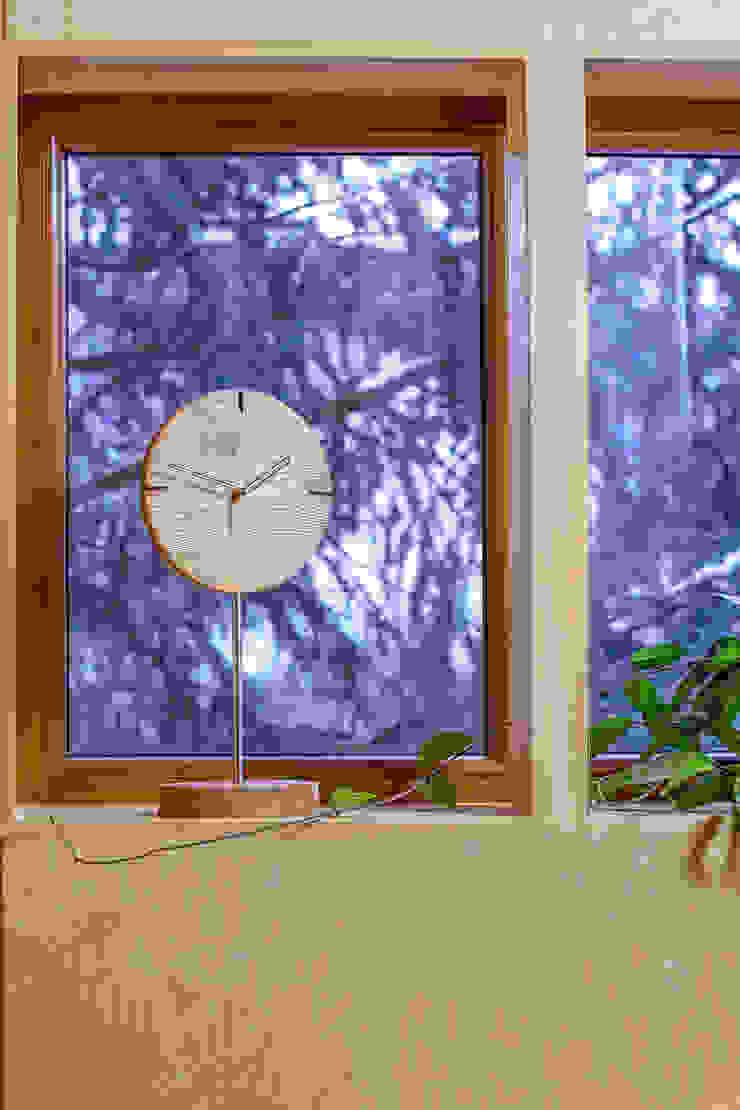 "Clock with brushed and oiled oak ""IO"" by Meble Autorskie Jurkowski Iндустріальний"