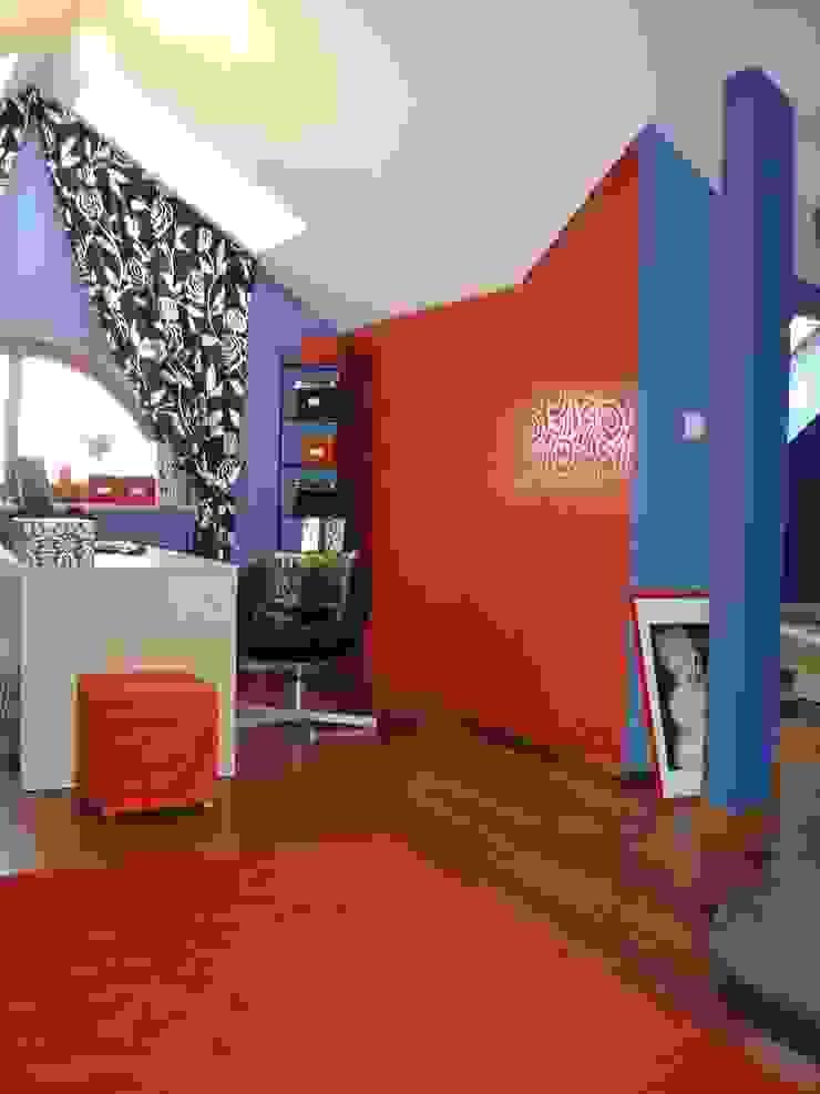 """""""Loft"""" de una adolescente Estudios y despachos de estilo moderno de Agami Design Moderno"""
