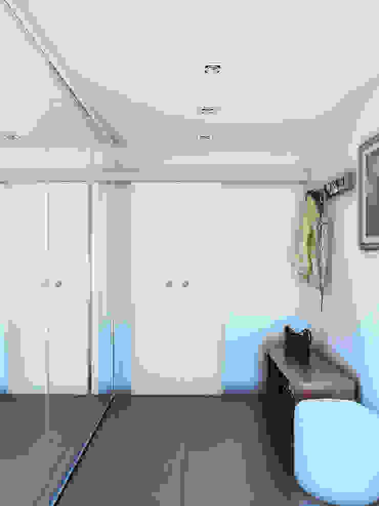 Уединение от пресыщения Коридор, прихожая и лестница в эклектичном стиле от Дизайн студия Александра Скирды ВЕРСАЛЬПРОЕКТ Эклектичный
