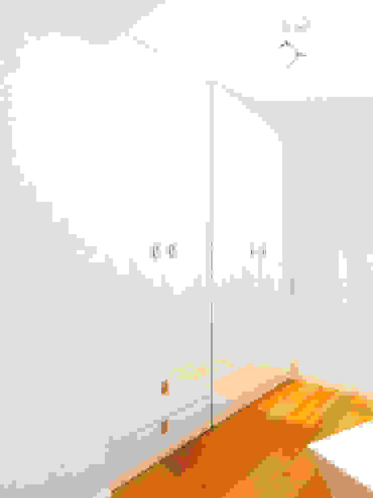Трава Спальня в эклектичном стиле от Дизайн студия Александра Скирды ВЕРСАЛЬПРОЕКТ Эклектичный
