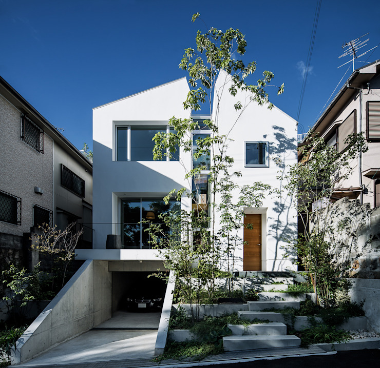 The front exterior view Modern Houses by 株式会社seki.design Modern