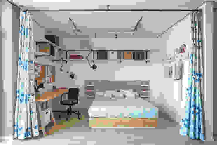 Проект однокомнатной квартиры-студии 40 м² Спальня в скандинавском стиле от SAZONOVA group Скандинавский