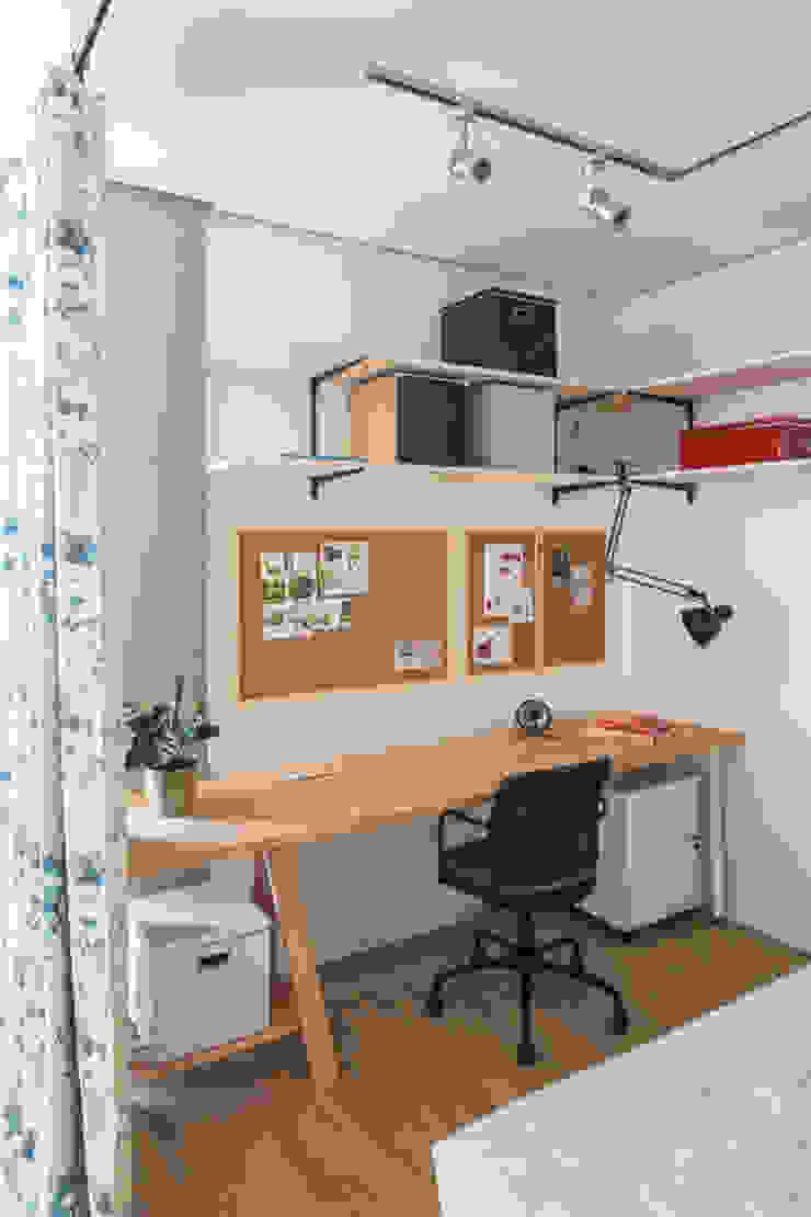 Проект однокомнатной квартиры-студии 40 м² Рабочий кабинет в стиле лофт от SAZONOVA group Лофт