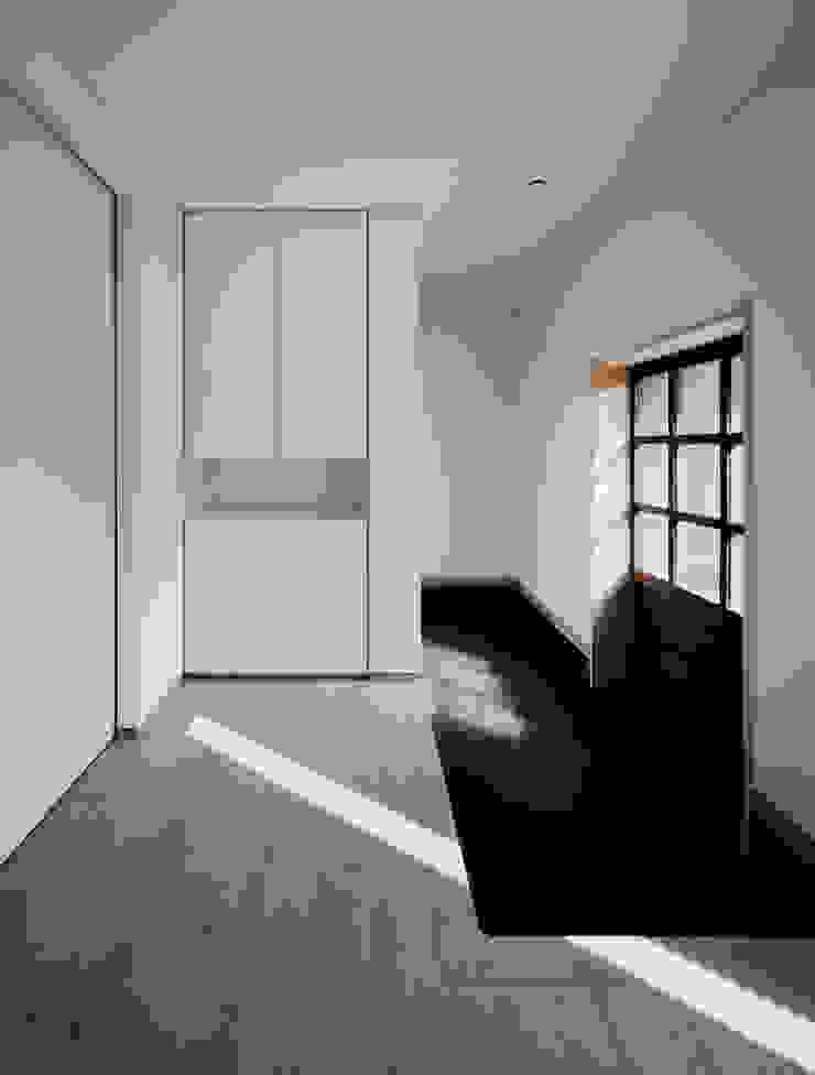 押部谷の家 玄関土間 北欧スタイルの 玄関&廊下&階段 の 株式会社seki.design 北欧