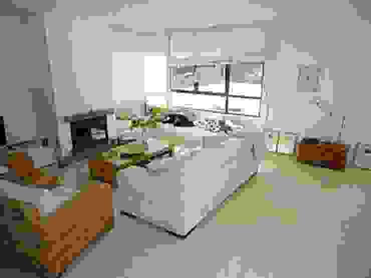 Imagen del salón. Salones de estilo mediterráneo de Proyectos Carmona Mediterráneo